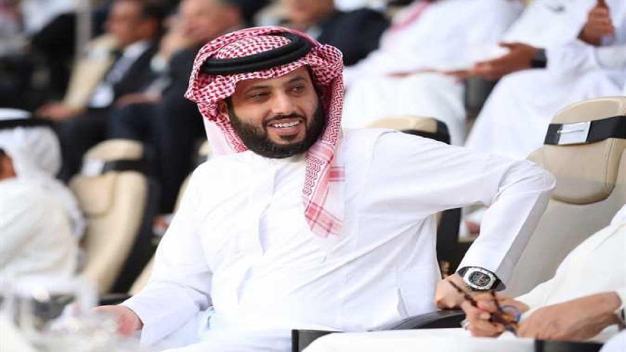بالفيديو.. تركي آل الشيخ عن مواطن يعزف على الكمان: في بلدنا فن وذويقة