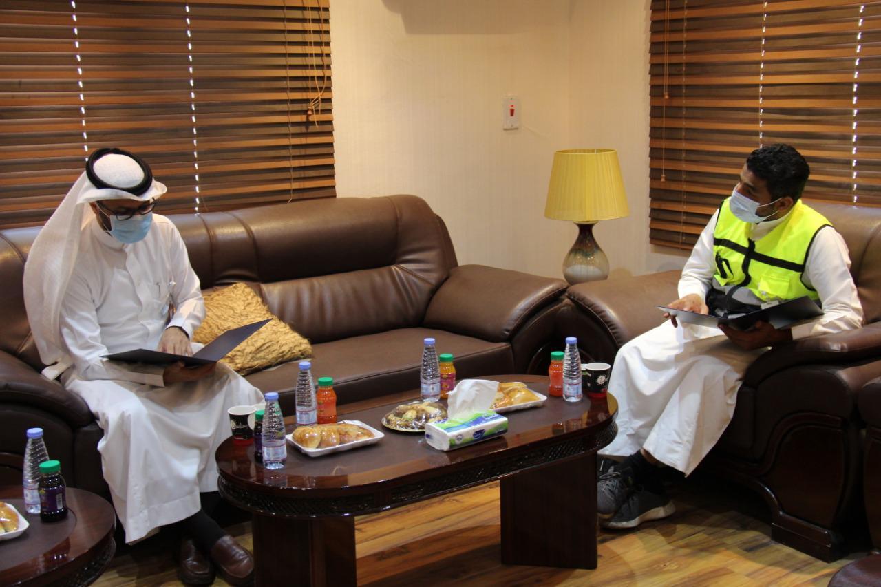 مدير الهلال الأحمر بالمدينة يستقبل مدير عام السلامة بمطار الأمير محمد الدولي