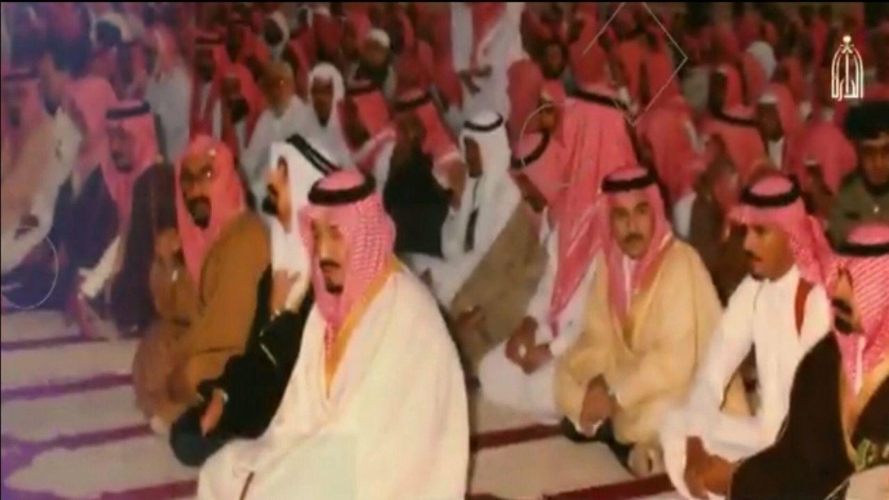 لقطات نادرة لخادم الحرمين الشريفين أثناء أداء صلاة الاستسقاء