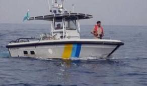 حرس الحدود يخلي بحاراً مصرياً على متن سفينة في مياه الخليج العربي