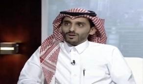 """تفاصيل إنقاذ مواطن لمريض على متن طائرة هبطت اضطرارياً بمطار الملك عبد العزيز """"فيديو"""""""