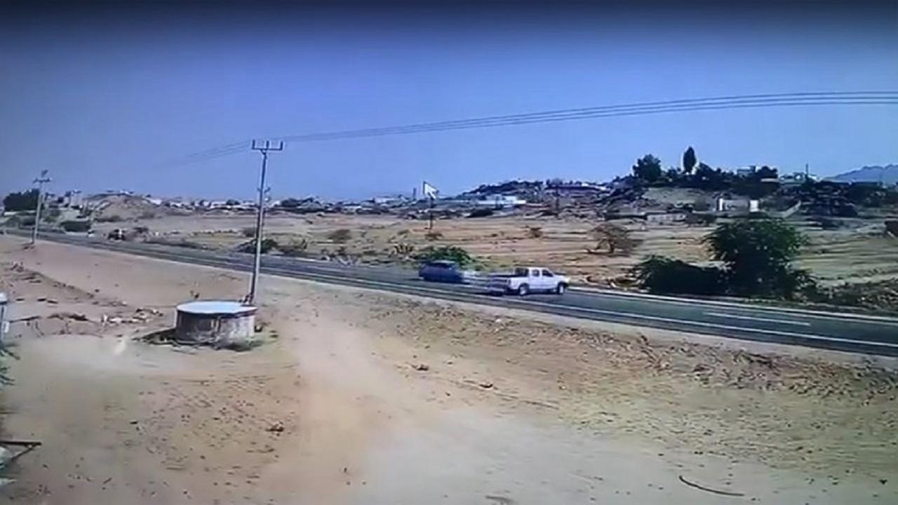 بالفيديو.. إصابة شخصين إثر حادث مروع في ثربان المجاردة