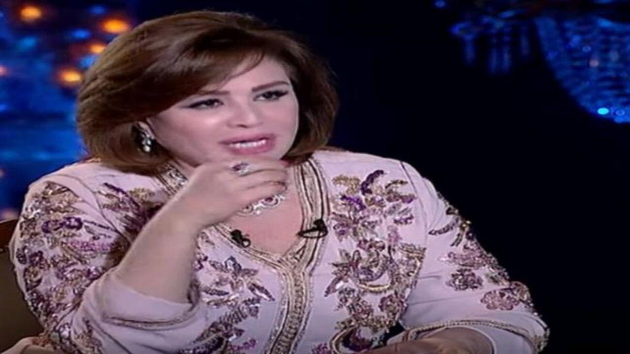 إلهام شاهين تثير الجدل بعد إعلانها دخول أمريكي الإسلام بسبب فيلمها