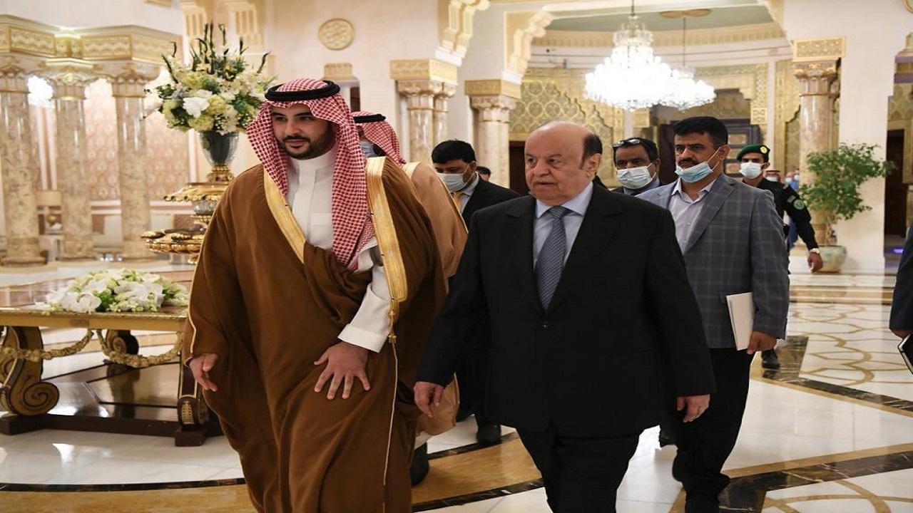 الأمير خالد بن سلمان يكشف تفاصيل اجتماعه مع الرئيس اليمني