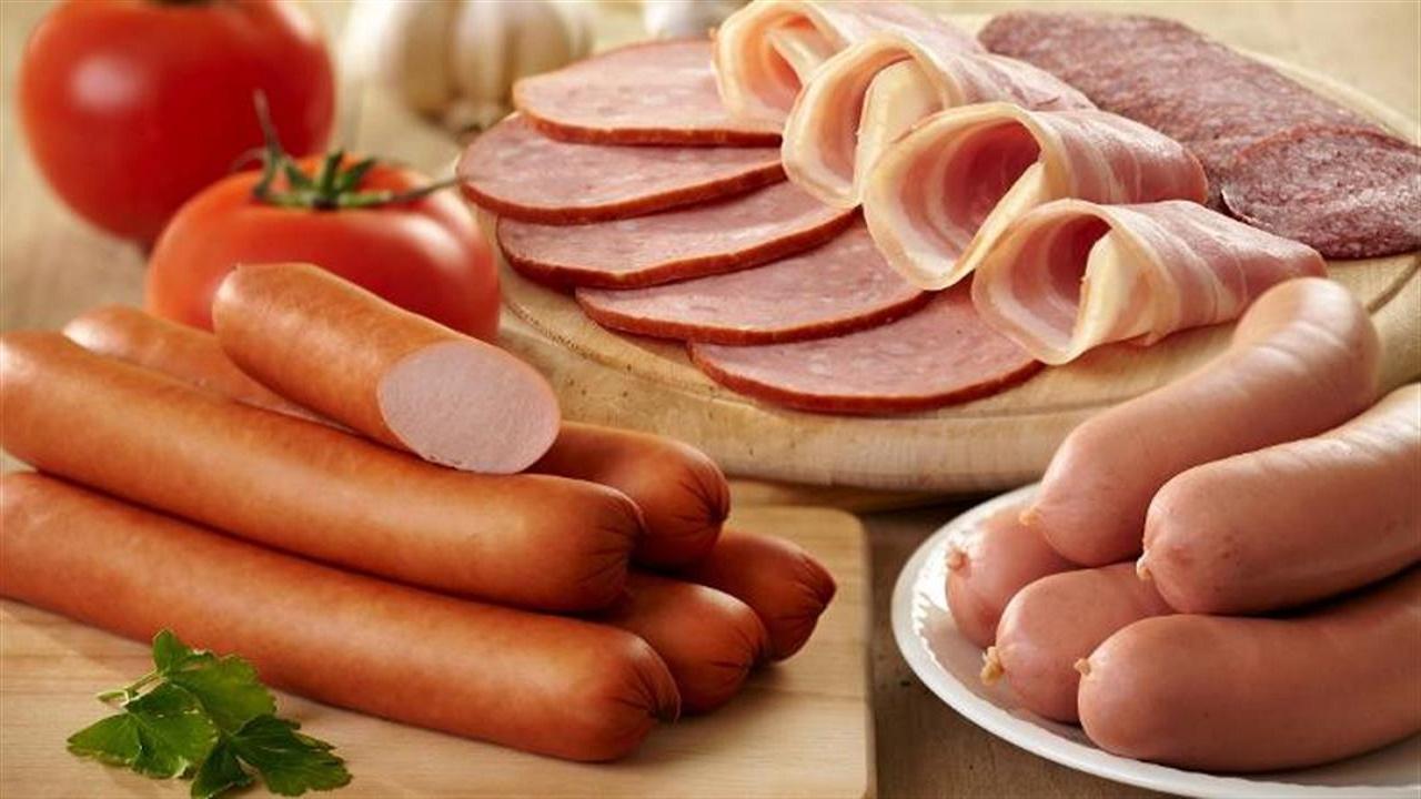 """أطعمة تضر بالجسم أكثر من السكر.. منها """" اللحوم المصنعة """""""