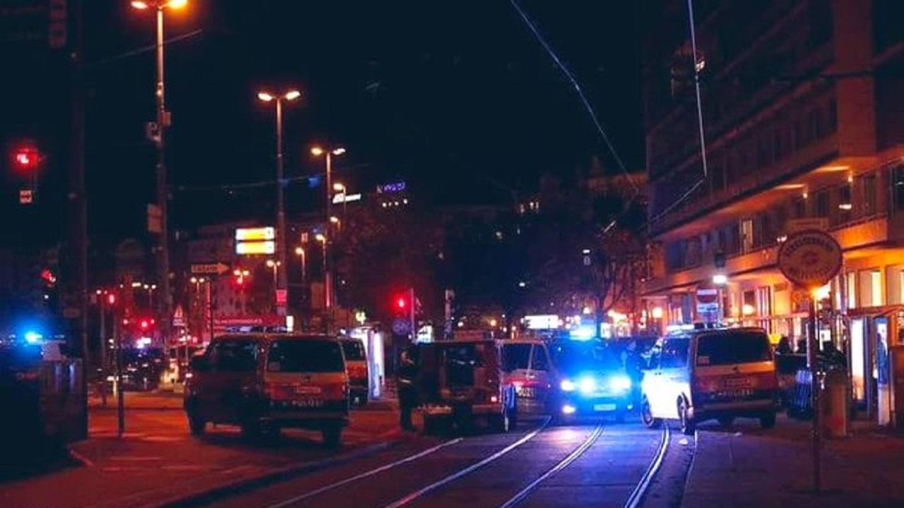 هجوم مسلّح في فيينا..وسفارة المملكة تحذر المواطنين المتواجدين