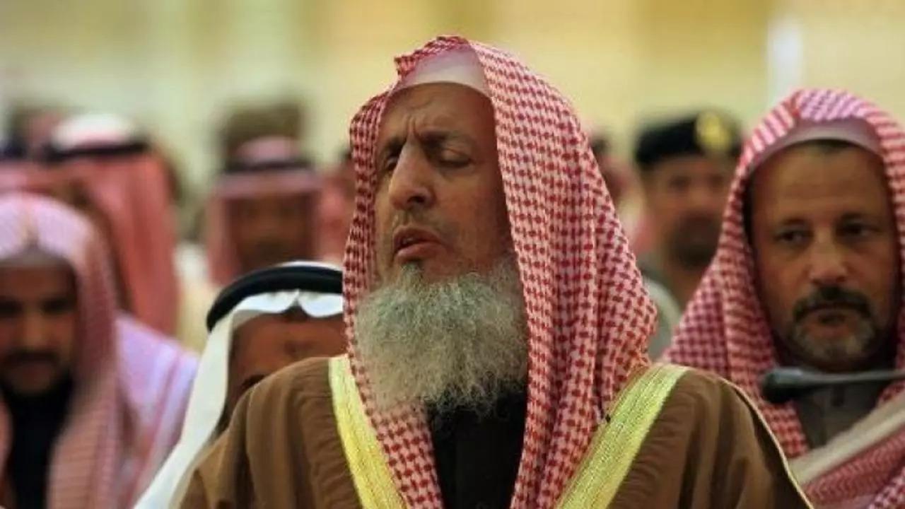 مفتي المملكة يوضح حكم قول «لا حول ولا قوة إلا بالله» في المصائب