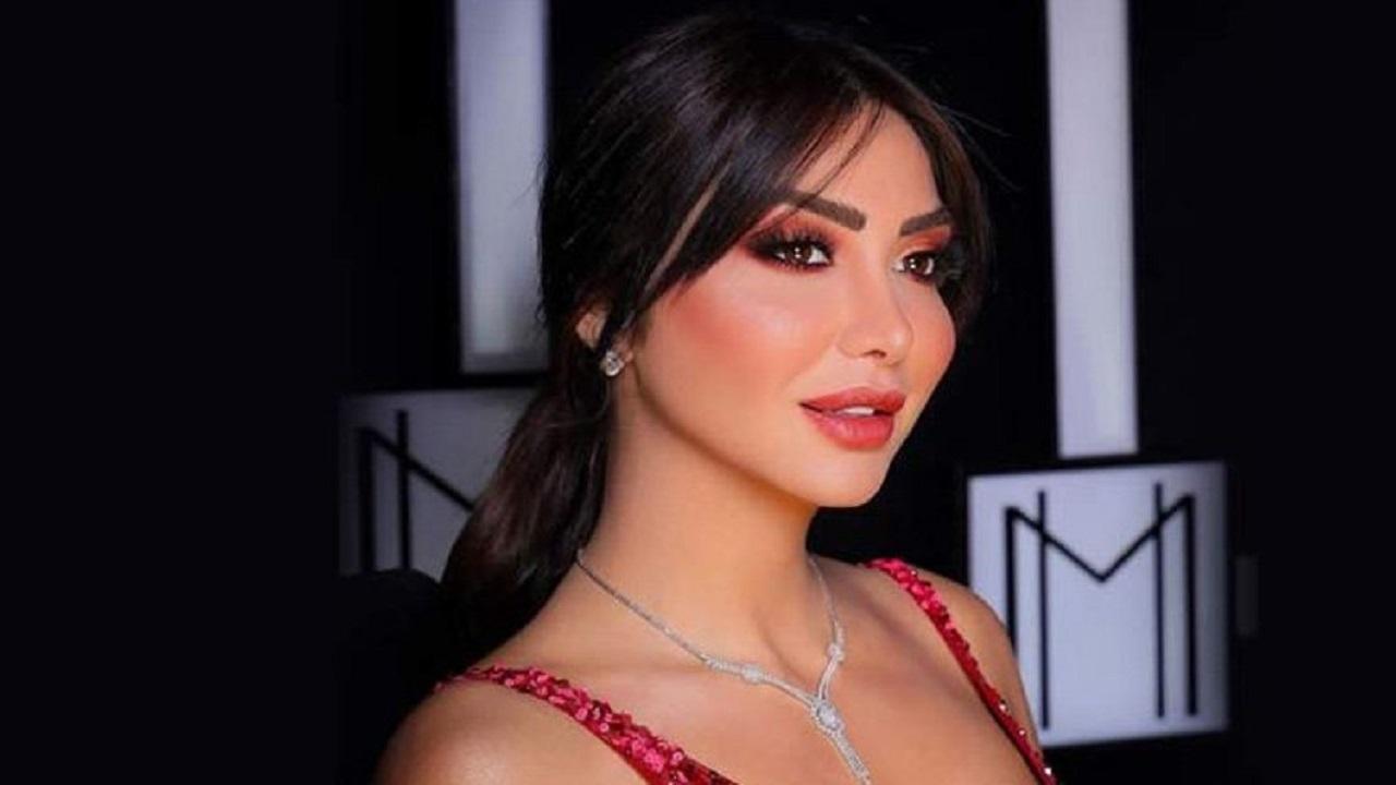دانا جبر تفقد ملامحها العربية بسبب عمليات التجميل