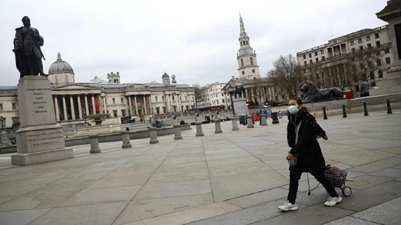 بريطانيا تستأنف الإغلاق جزئياً