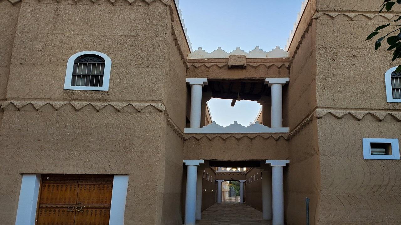 شاهد..قصر المربع حيث كان المؤسس يعمل ويدير شؤون البلاد