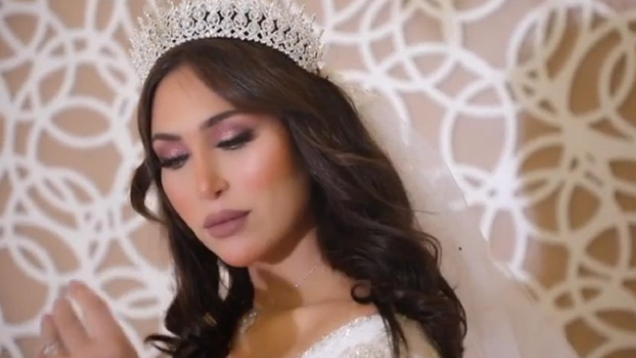 بالفيديو.. خلود تستعين بفستان زفاف للاحتفال بتصدرها قائمة المشاهير بسناب شات