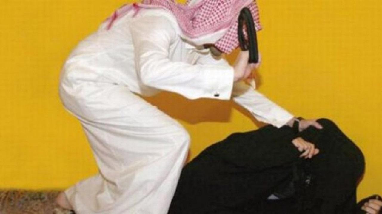 سيدة تتعرض للتعنيف من زوجها في خميس مشيط