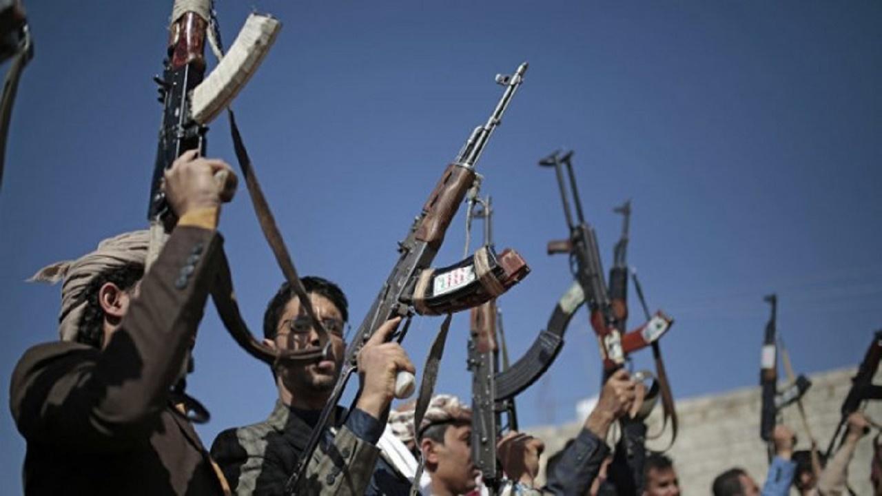إيران تتهم وزراء الحوثي بالفساد لتعيين عناصرها الجديدة المدربة