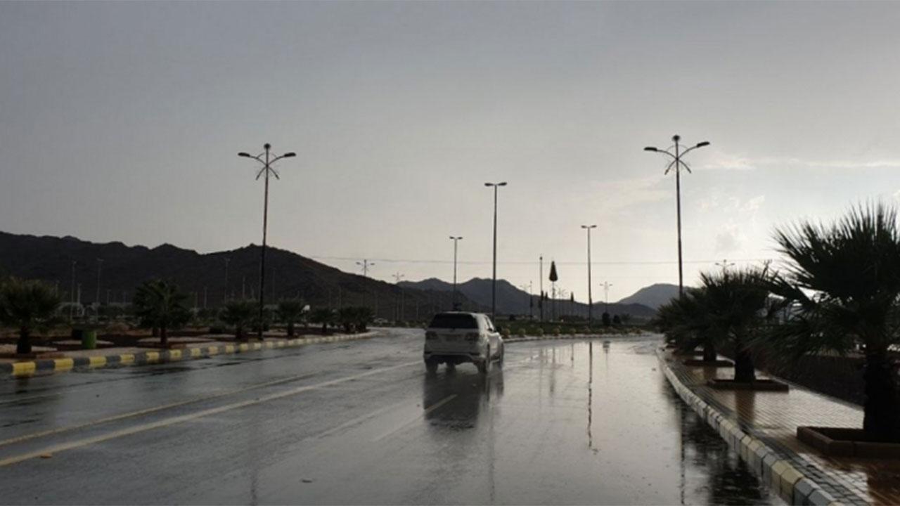 """""""المسند"""": إستمرار الأمطار والرياح اليوم على بعض المناطق"""