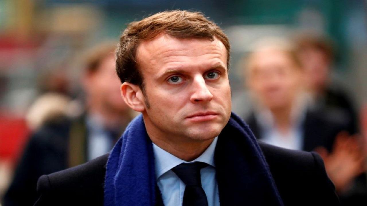 فرنسا تسجن جزائريًا أشاد بذبح المعلم المسيء للرسول ﷺ
