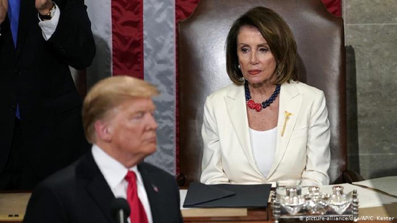 """ديمقراطيون يسعون لإستبعاد """"بيلوسي"""" من """"الكونجرس"""" لأول مرة"""