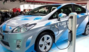 تحول غير مسبوق إلى السيارات الكهربائية وتوقفات بقفزة كبيرة في المبيعات