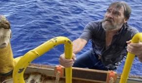 بالصور.. العثور على بحار عجوز بعد اختفاء قاربه لمدة 48 ساعة في عرض البحر