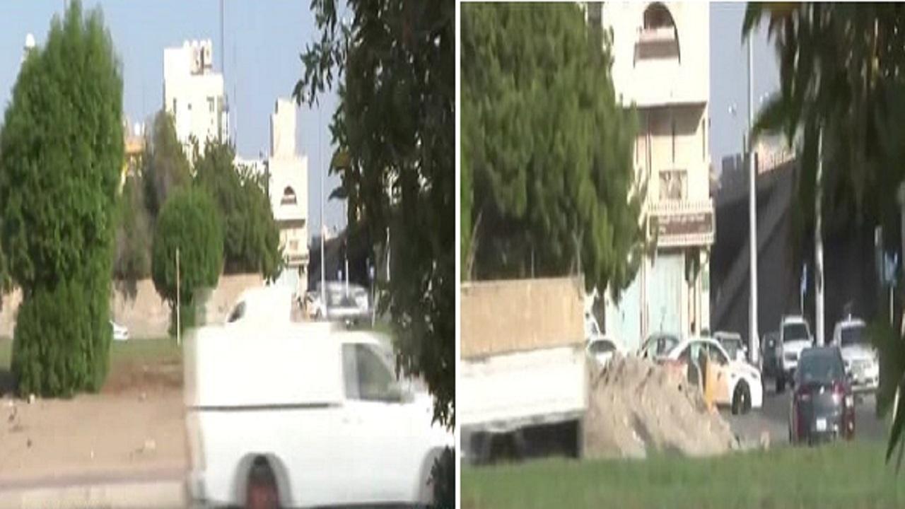 بالفيديو.. لقطات مصورة للطوق الأمني إثر إنفجار في محيط مقبرة لغير المسلمين بجدة
