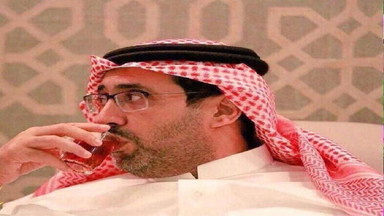 «العرفج» يطالب منصور البلوي بكتابة مذكراته