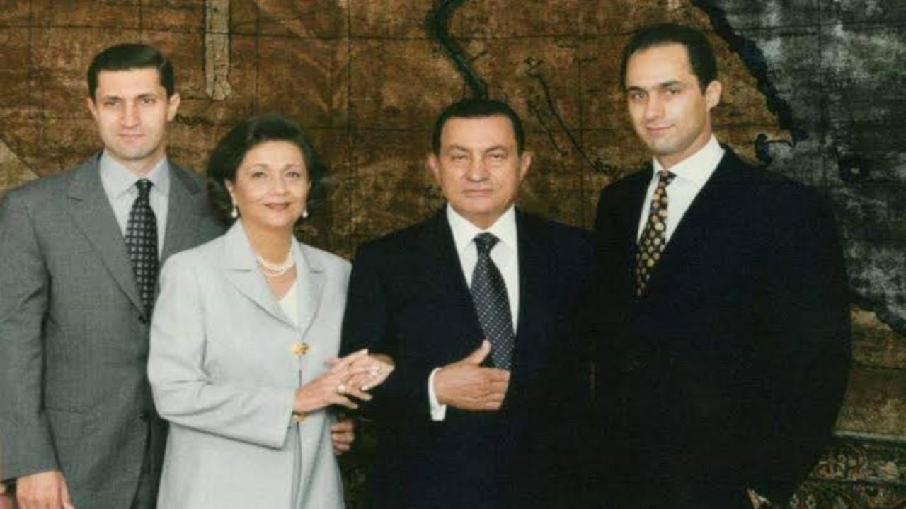 إنهاء قرار المنع من التصرف بالأموال الصادر بحق أسرة مبارك