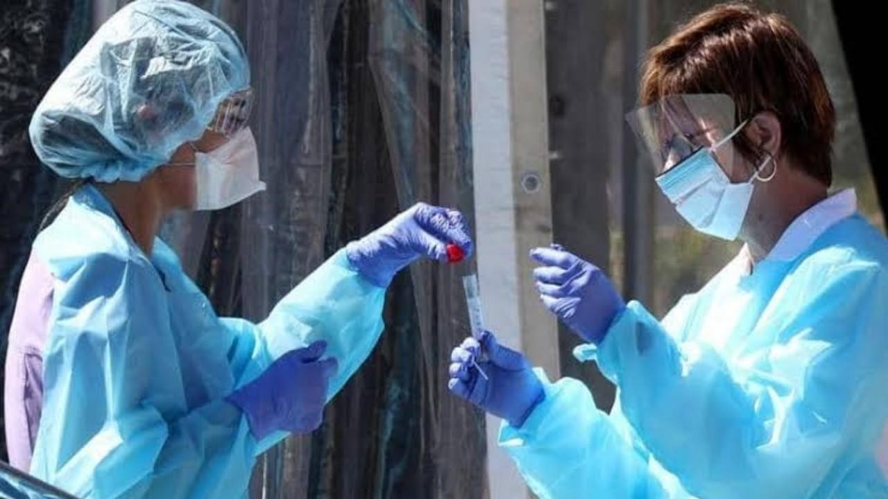 تطوير أجسام مضادة للفيروس بعد التعافي من الإصابة