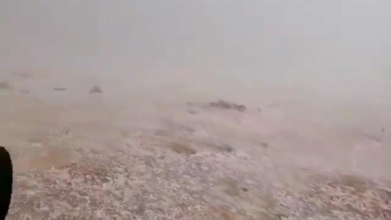 بالفيديو.. لحظة سقوط حبات البرد على حائل