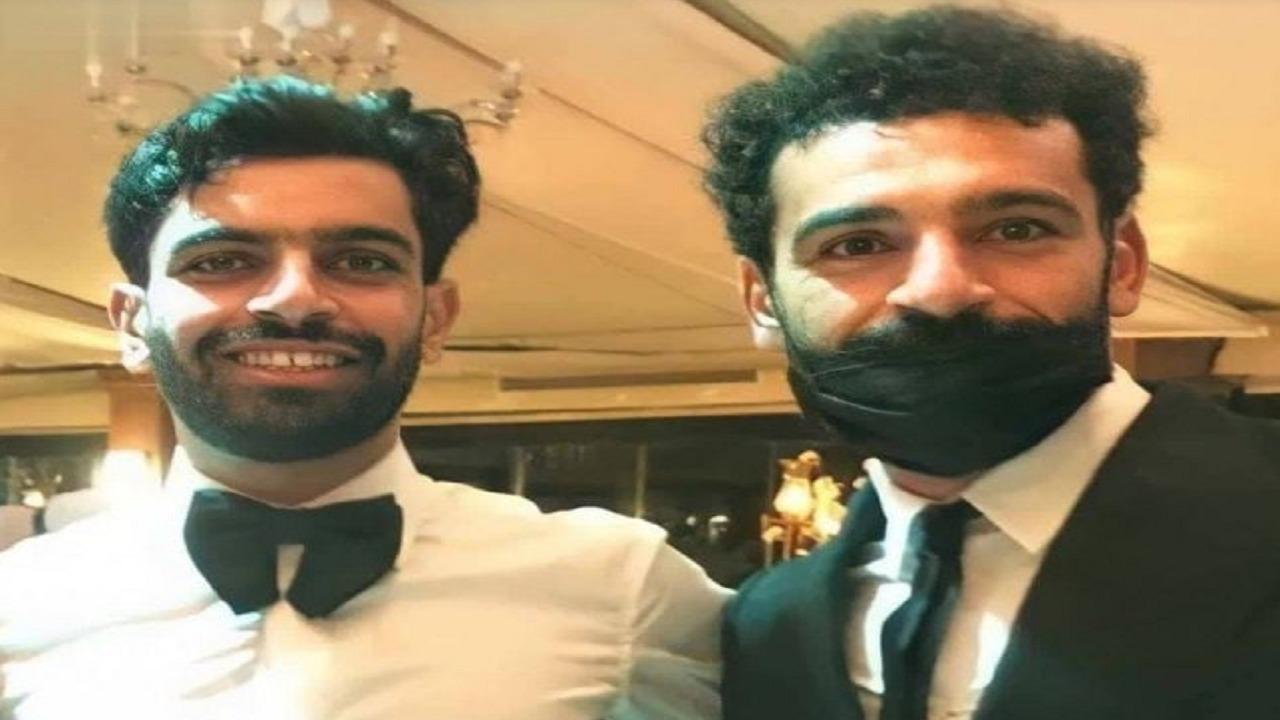 محمد صلاح يحتفل بزواج شقيقه