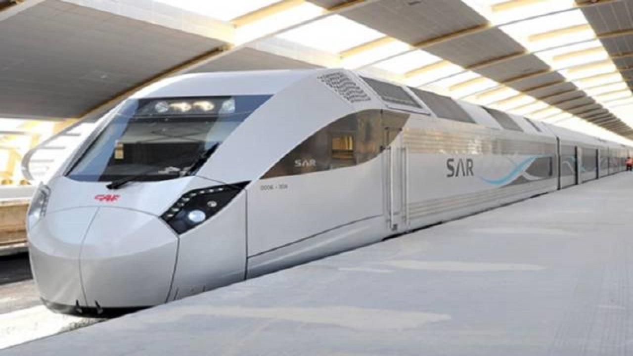 """وزير النقل يعلق على تحديث """"الخطوط الحديدية"""""""