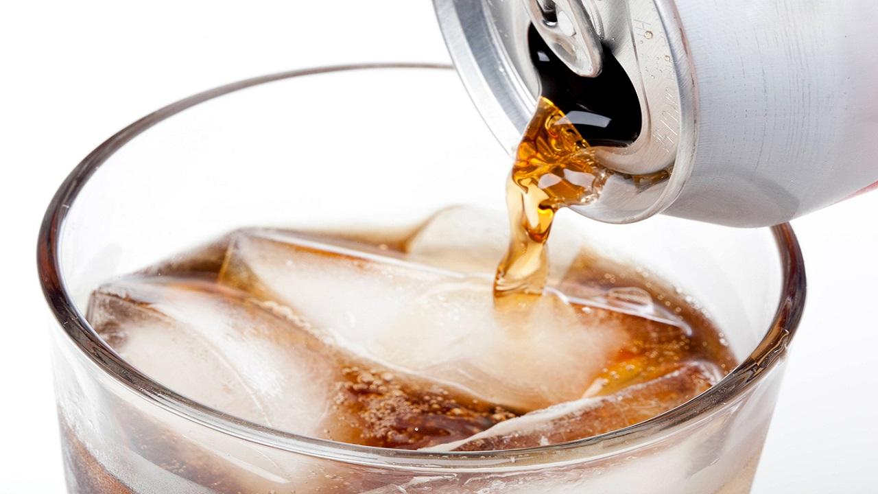 """حقيقة تأثير المشروبات """"الدايت"""" على الجسم"""