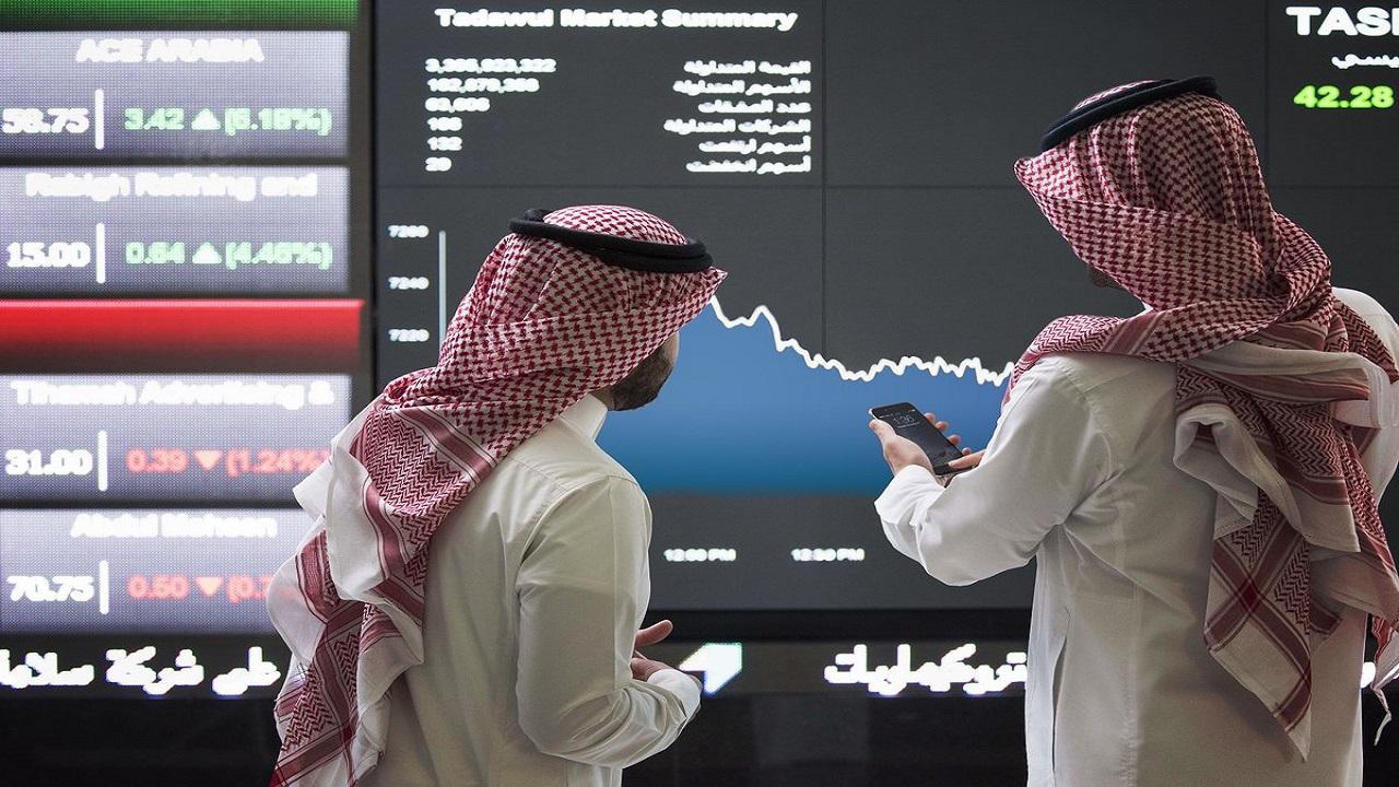 مؤشر سوق الأسهم يغلق مرتفعًا