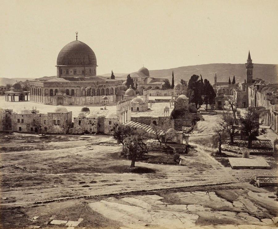 مسجد قبة الصخرة بالقدس عام 1862