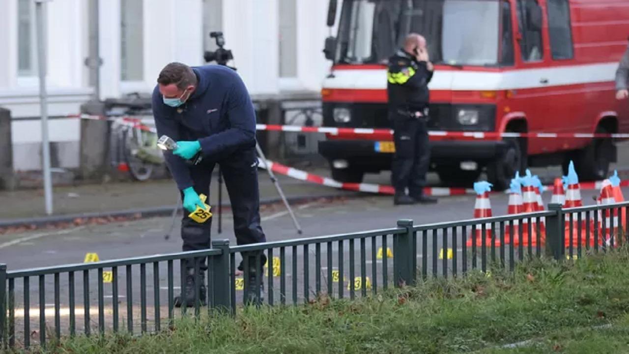 شاهد.. أول ظهور للمشتبه به في الهجوم على سفارة المملكة بهولندا