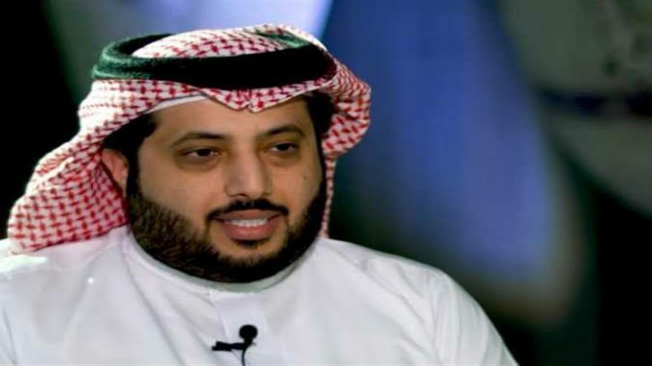 """تركي آل الشيخ يثير قلق الجمهور: """"الموبايل صار نقمة مو نعمة"""""""