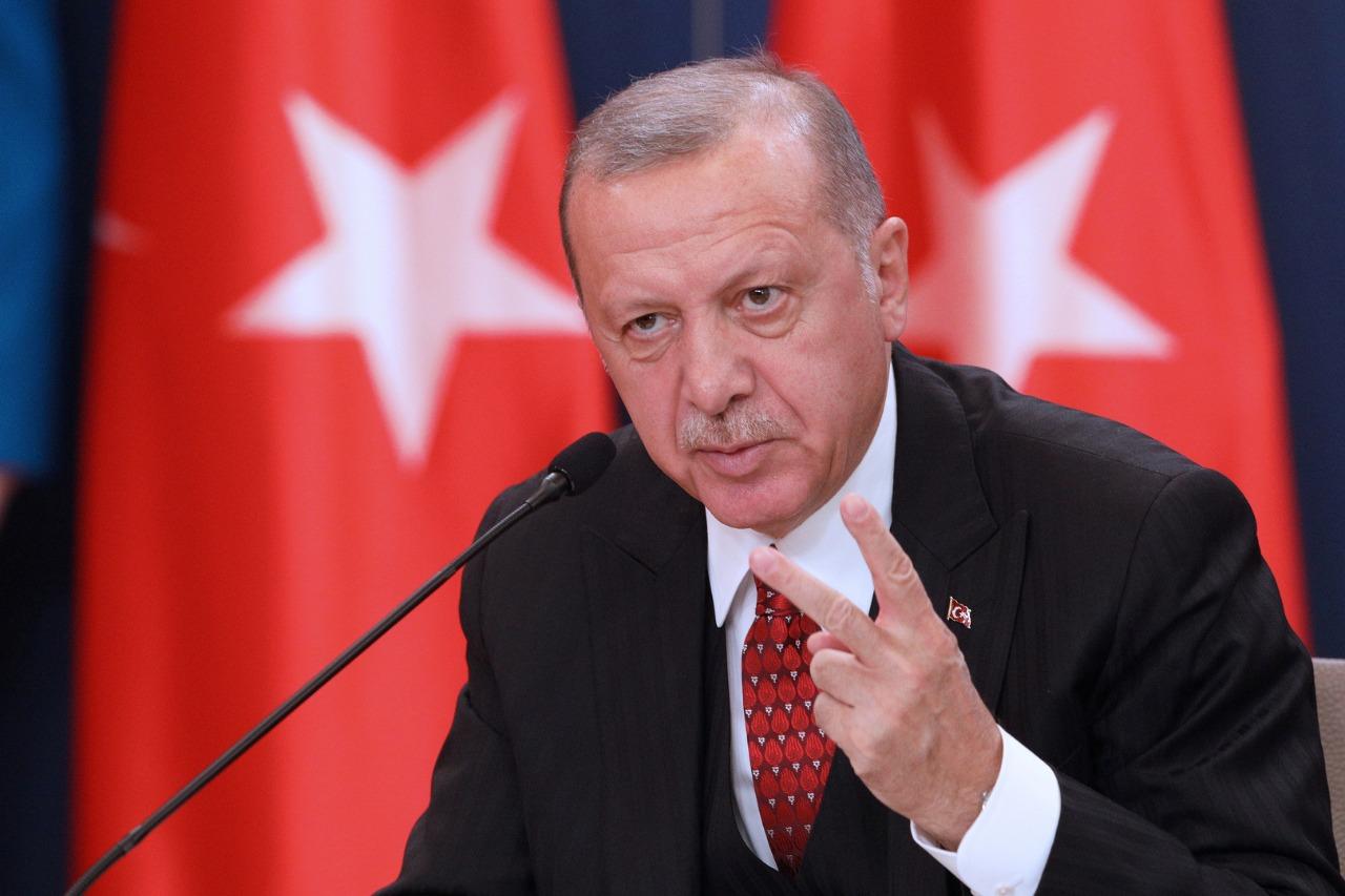 شاهد.. أردوغان يوبخ الحضور لأنهم لم يصفقوا له في افتتاح إحدى المستشفيات