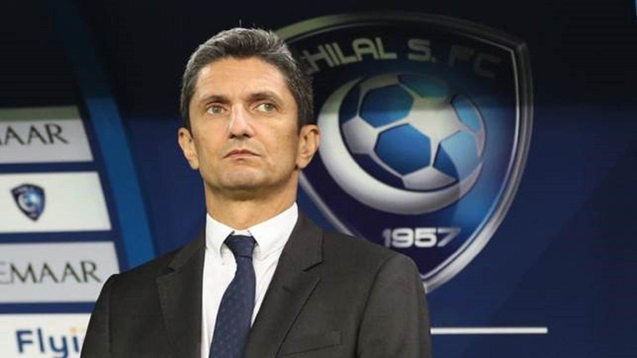 """لوشيسكو يتابع فريقه """"عن بعد"""""""
