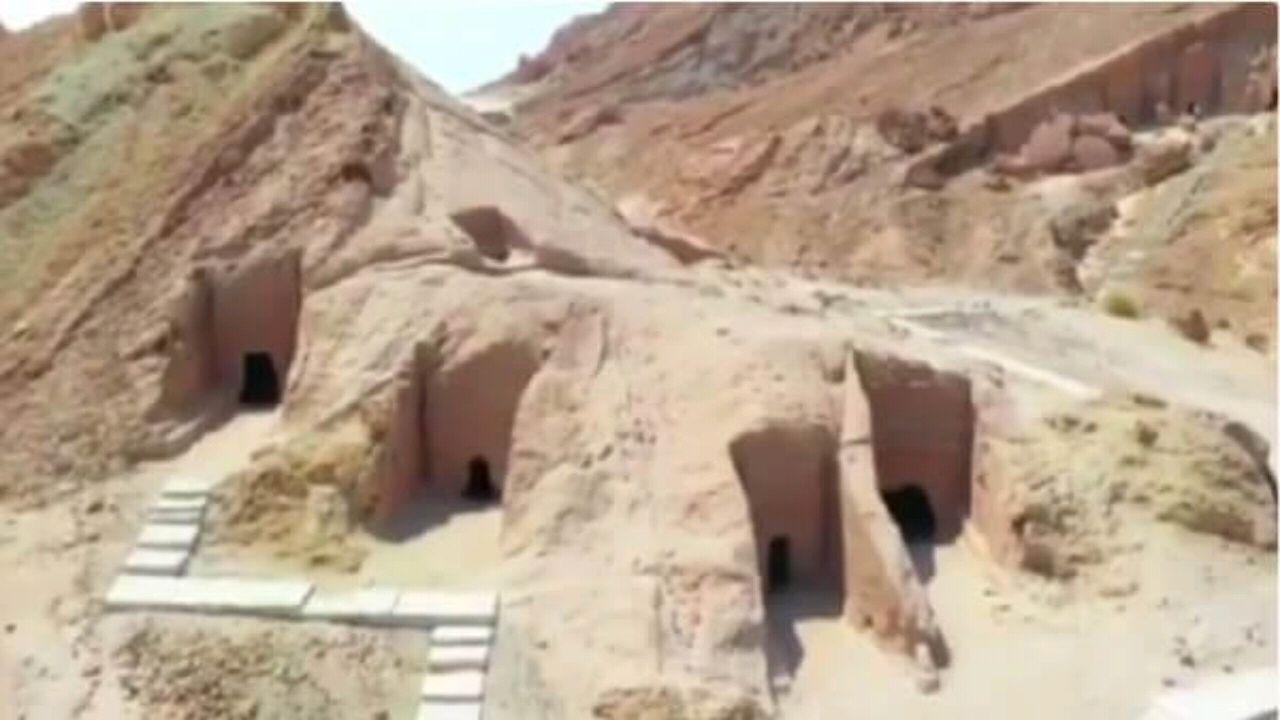 بالفيديو.. مدائن شعيب بتبوك واحة قديمة منحوتة بالصخر