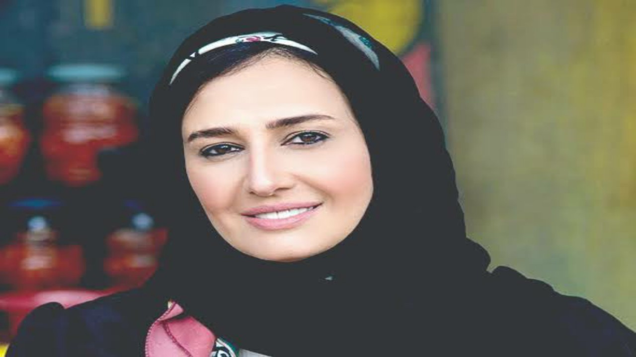 حلا شيحة تُثير الجدل بارتدائها الحجاب