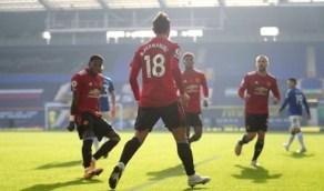مانشستر يونايتد يطمح في إعادة نجمه السابق