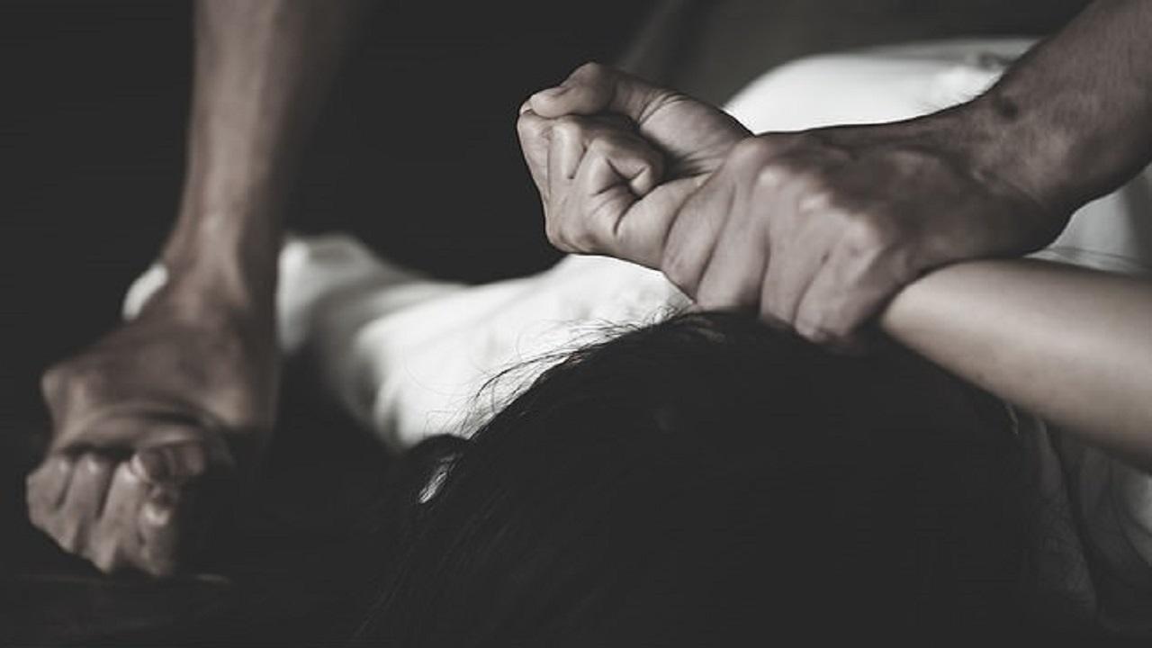 اغتصاب جماعي لامرأة وطفلتها لمدة أسبوعين والشرطة تلوم الأم
