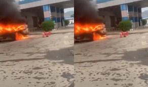 بالفيديو.. مواطن ينقذ محطة وقود من حريق هائل بمحايل عسير