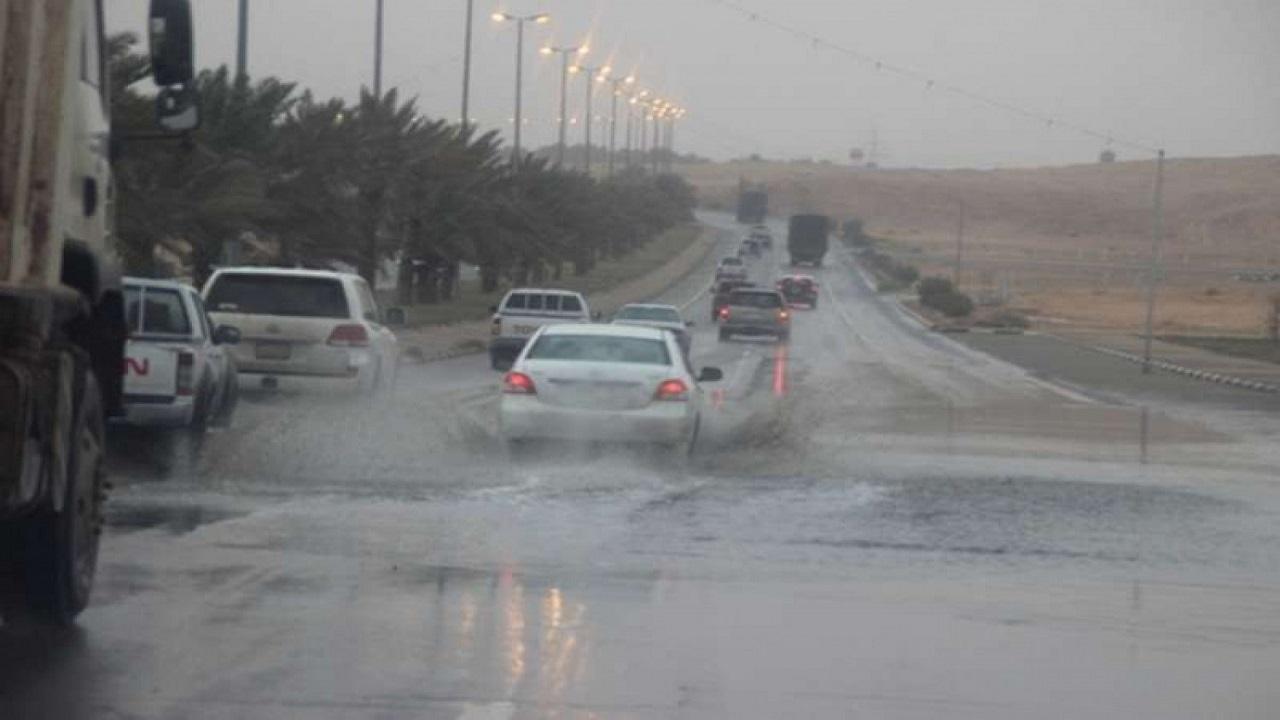 تفعيل الطوارئ خلال هطول الأمطار على القريات