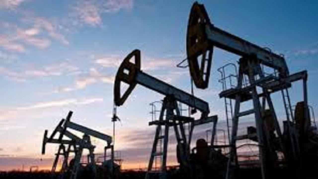 أسعار النفط تواصل الارتفاع