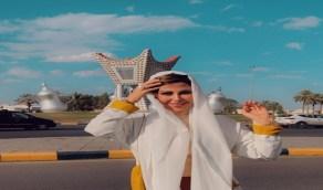 بالفيديو..شمس الكويتية تغني للنصر خلال زيارتها في حائل