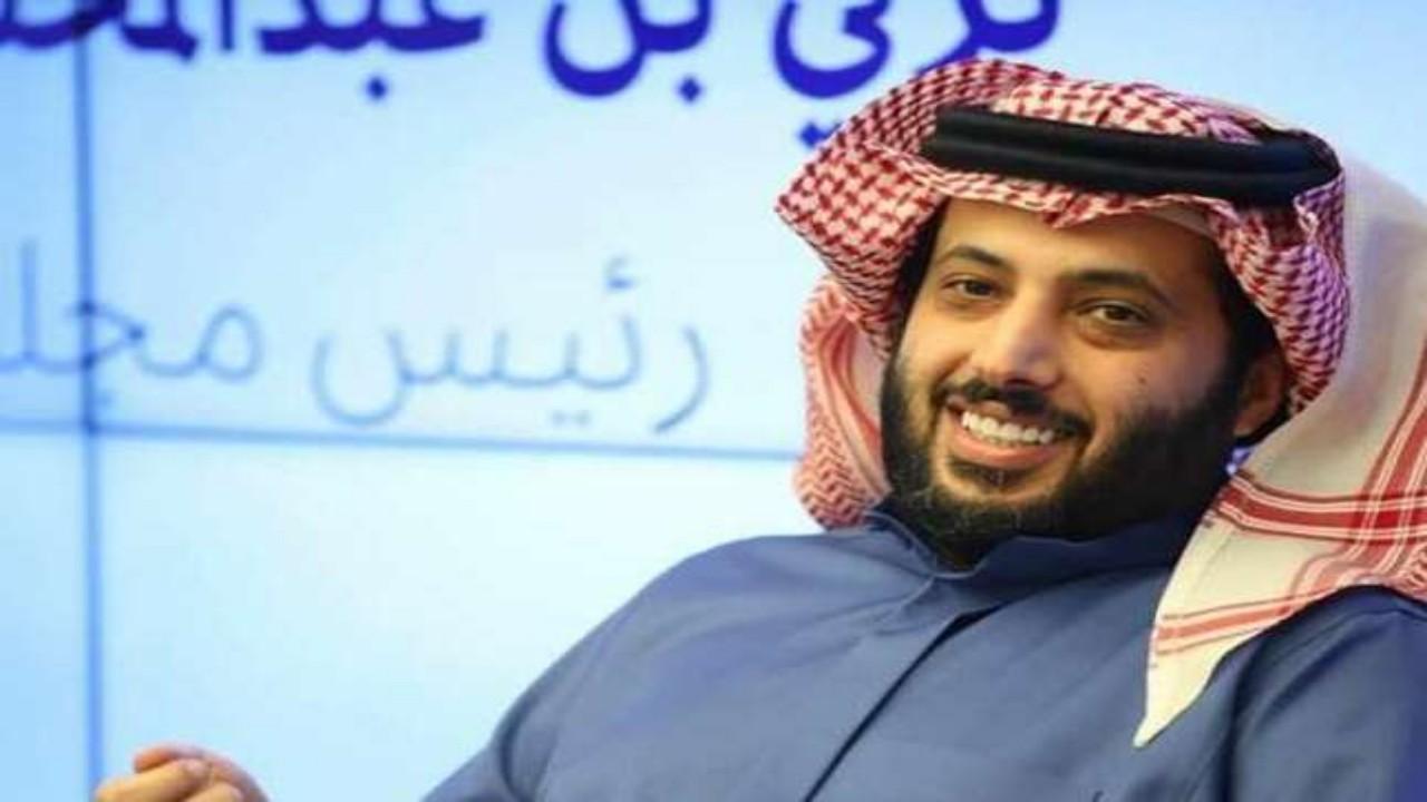 تركي آل الشيخ يعبر عن اشتياقه للرياض بقصيدة جديدة