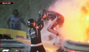 انشطار سيارة متسابق فورمولا 1 واشتعالها بالبحرين