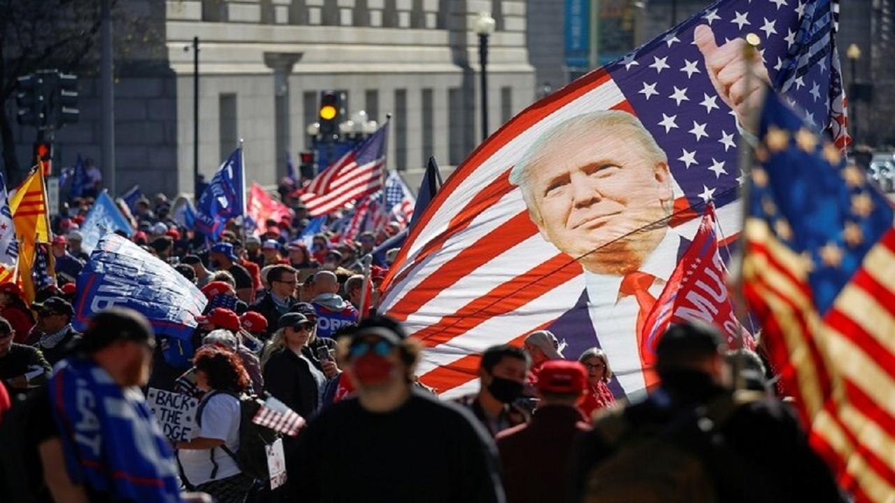 """""""ترامب"""" يعلق على خروج مسيرة حاشدة لدعمه"""