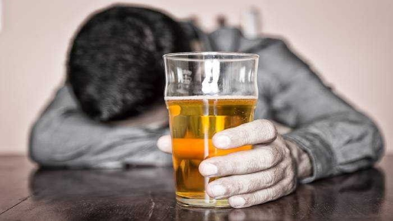كحول مغشوش يودي بحياة 6 أشخاص