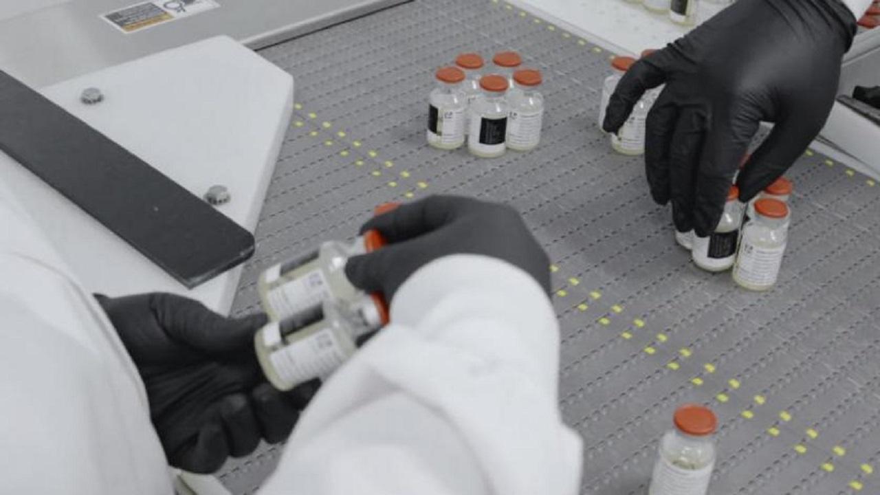 """أمريكا توافق على استخدام """"ريجن-كوف-2″ في علاج مرضى كورونا"""