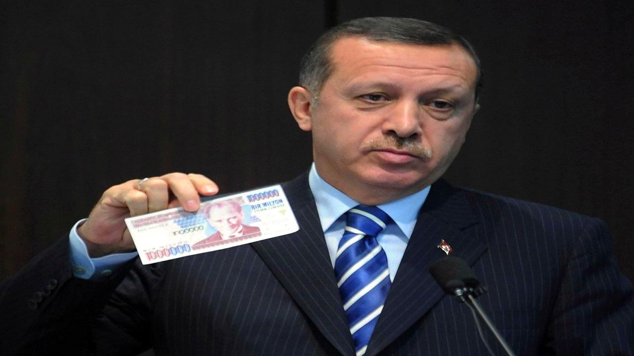 """بعد نزيف الليرة """" أردوغان """" يقيل محافظ البنك المركزي حفظًا لماء الوجه"""